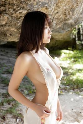 Beautiful Busty Asian Babe Asuka Kishi Via AllGravure - 05