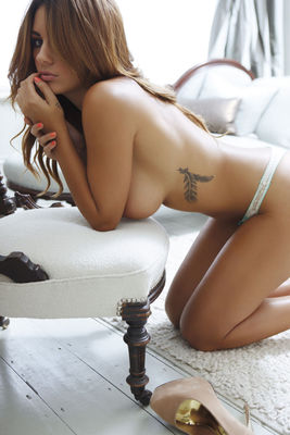 Holly Peers Nuts Outtakes - 14