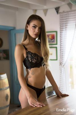 Emelia Paige Sexy Black Lingerie - 00