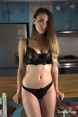 Emelia Paige Sexy Black Lingerie - 01