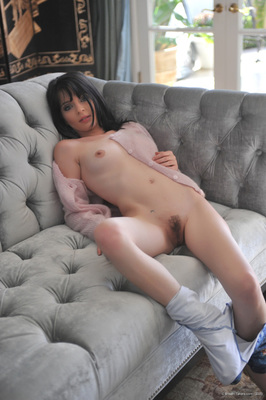 Black haired beauty from Breathtakers - 09
