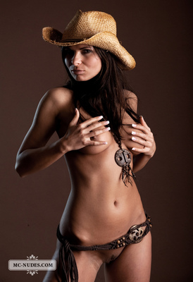Valentina - Cow Girl - 02