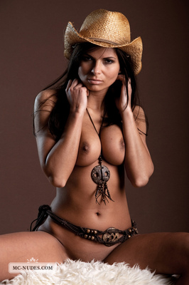 Valentina - Cow Girl - 08