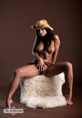 Valentina - Cow Girl - 11