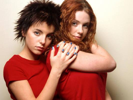 Tatu Yulia Volkova Pics And Wallpapers -  Real Lesbian Love - 01