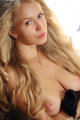 Busty Blonde Kaylee Via Femjoy - 02