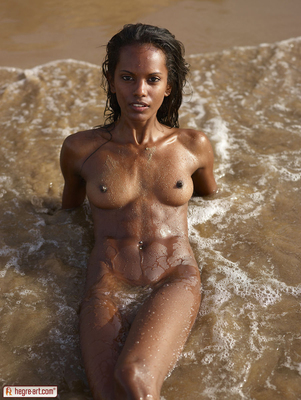 Valerie Lif is a Beach for Hegre Art - 01