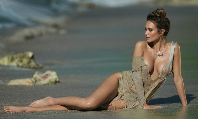 New Pictures Of Sexy Mainstream Model Hannah Davis - 00
