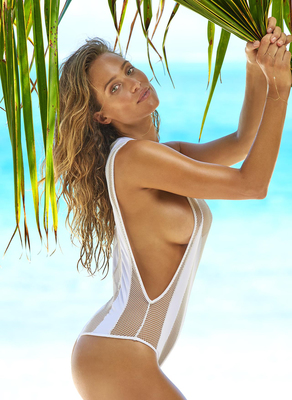 New Pictures Of Sexy Mainstream Model Hannah Davis - 09