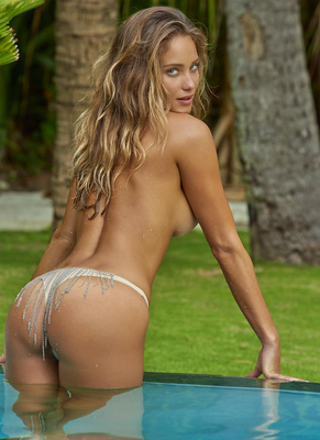 New Pictures Of Sexy Mainstream Model Hannah Davis - 12
