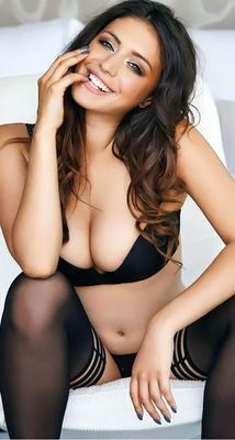 Busty Beauty Claudia Dean - 14