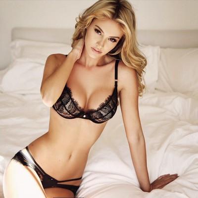 Skinny Blonde Beauty Bryana Holly - 01