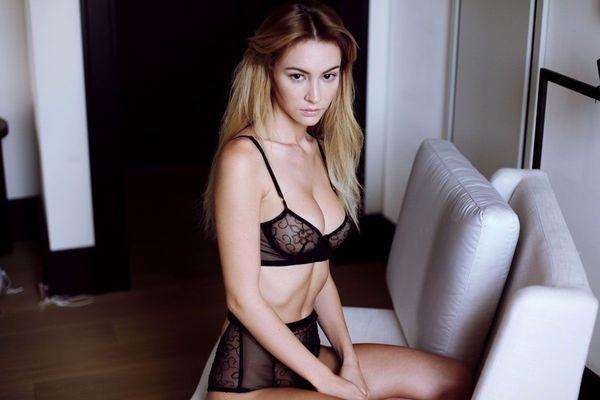Skinny Blonde Beauty Bryana Holly - 04