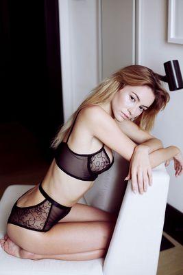 Skinny Blonde Beauty Bryana Holly - 05