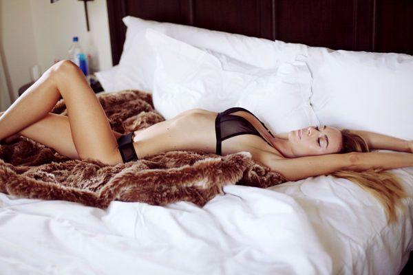 Skinny Blonde Beauty Bryana Holly - 09