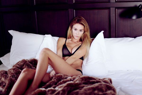 Skinny Blonde Beauty Bryana Holly - 10