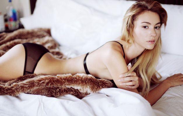 Skinny Blonde Beauty Bryana Holly - 11