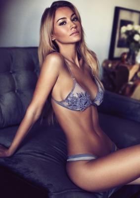 Skinny Blonde Beauty Bryana Holly - 14