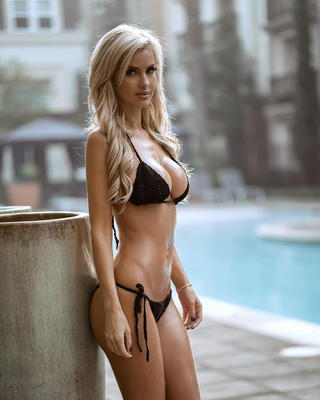 Busty Ukrainian Blondie Leanna Bartlett - 10