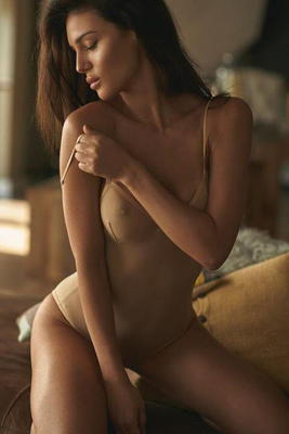 Lovely Glam Model Silvia Caruso - 03