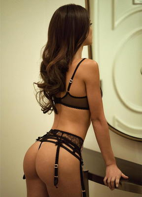 Lovely Glam Model Silvia Caruso - 12
