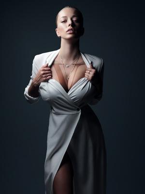 Busty Instagram Hottie Caroline Vreeland - 14