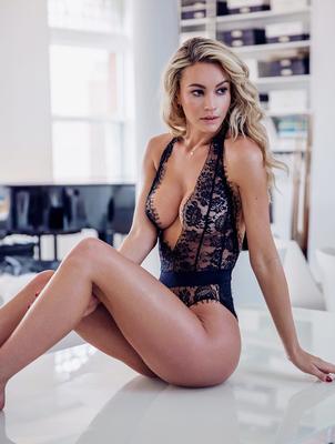 Bryana Holly Candids 2017 - 05