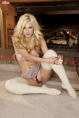 Twistys Babe Danielle Trixie By The Fire Place - 10
