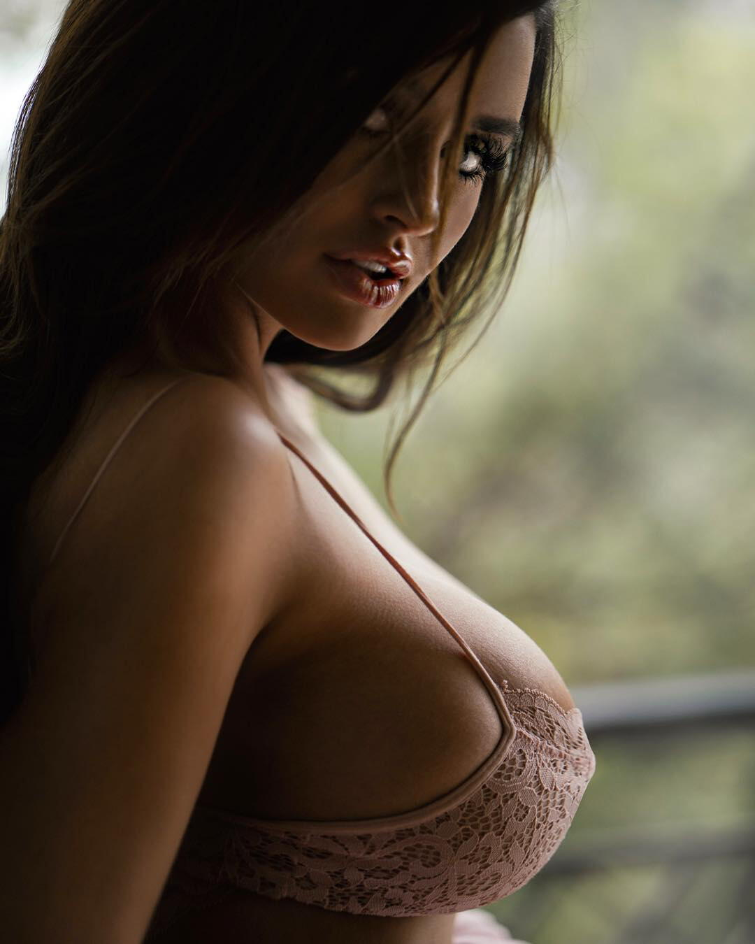 Best Of Busty Bombshell Abigail Ratchford 2017 - 11