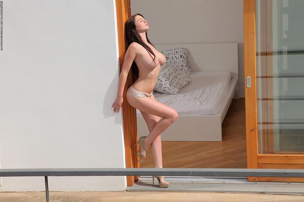 Corinne via Photodromm - 01