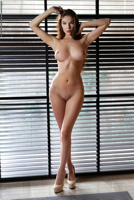 Busty Brunette Loraine Via Photodromm - 08