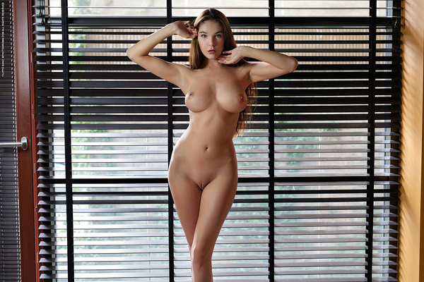 Busty Brunette Loraine Via Photodromm - 09