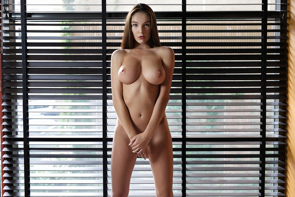 Busty Brunette Loraine Via Photodromm - 10