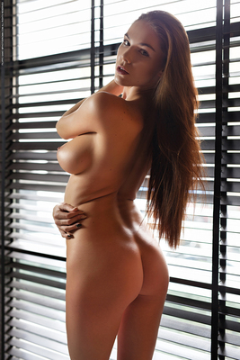 Busty Brunette Loraine Via Photodromm - 12