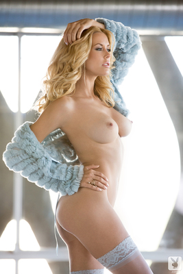Kennedy Summers Miss December 2013 - 04