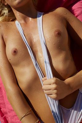 Delfina Aziri Via Playboy DE - 08