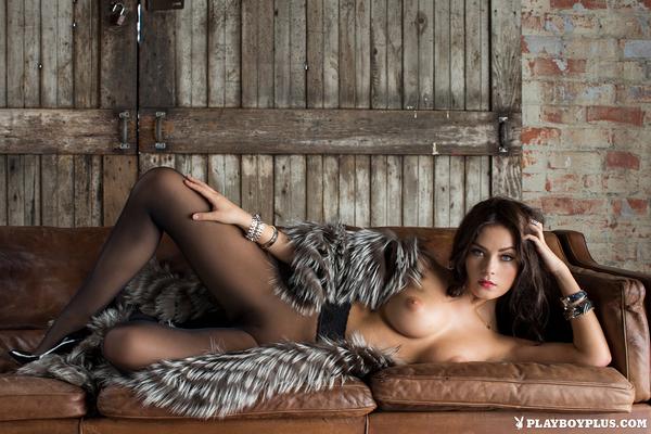 Playmate Alexandra Tyler Via Playboy - 00