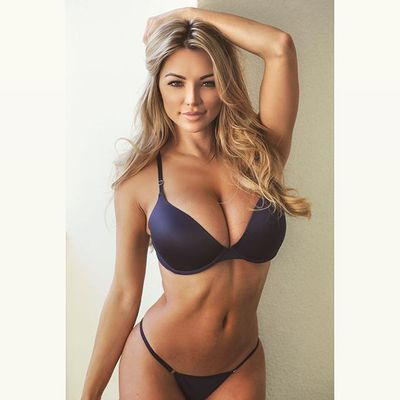 Best Of Busty Playmate Lindsey Pelas 2016 - 06