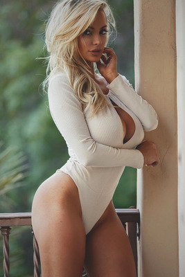 Best Of Busty Playmate Lindsey Pelas 2016 - 08
