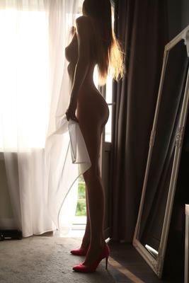 Elin Via Playboy - 02