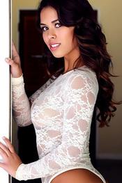 Amanda Marie For Alluring Vixens