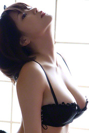 Beautiful Busty Asian Babe Asuka Kishi Via AllGravure