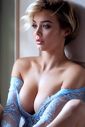 Rosie Robinson Is Even Hotter As A Blondie