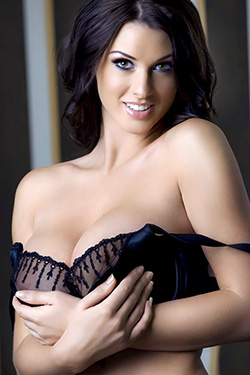 Busty Alice Goodwin for The Pinup Files