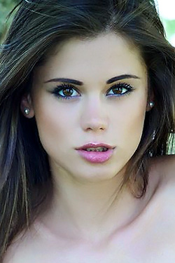 Little Caprice for Watch4Beauty