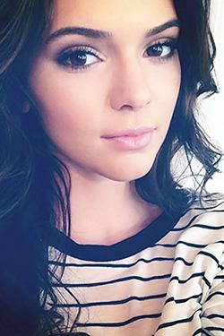 Sexy Brunette Beauty Kendall Jenner
