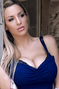 Country Girl Jordan Carver
