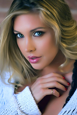 Samantha Saint Pretty Face