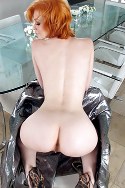 Justine Joli Beautiful Redhead Babe For In The Crack