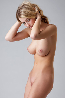Carisha from FEMJOY